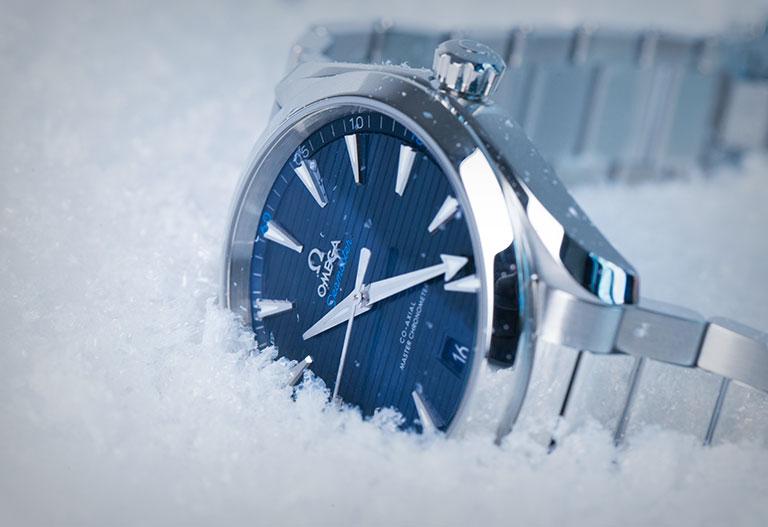 Omega Seamaster en la nieve