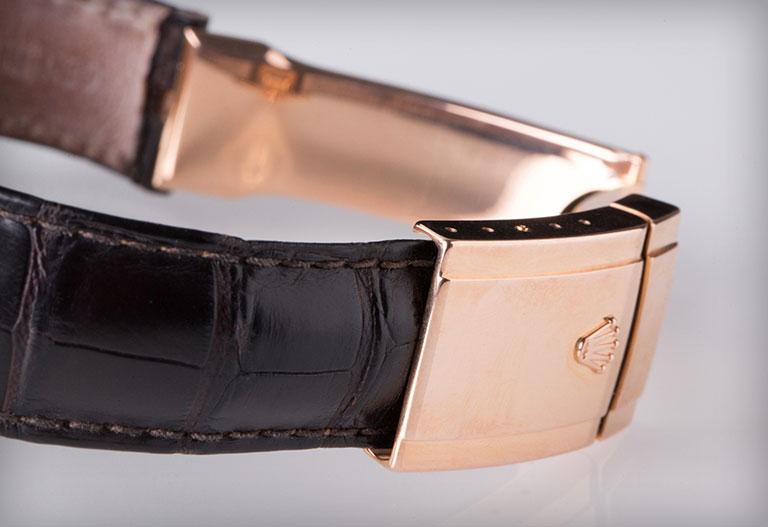 Rolex-armband i läder med Oysterspänne i roséguld