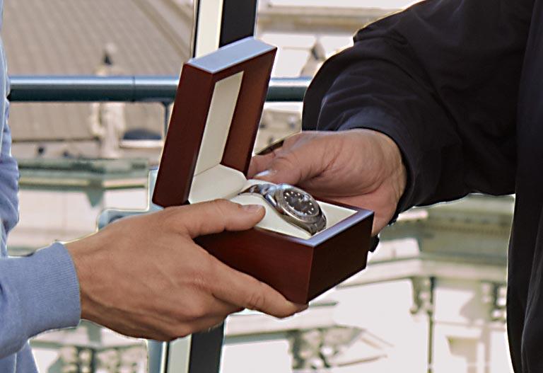 Watchmaster Rolex Explorer II Gewinner und Robert Morlock close up Gewinnspiel