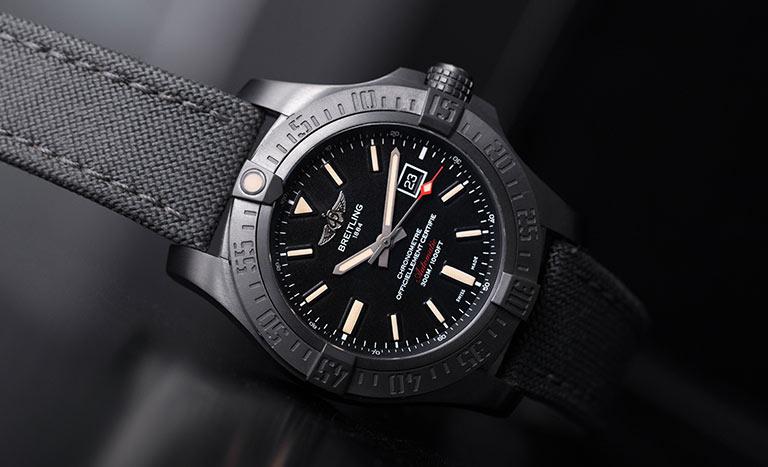 schwarz Uhr