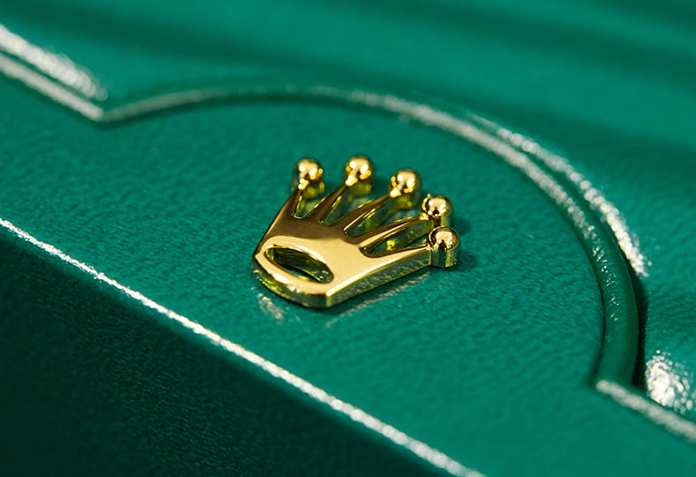 Rolex Boxes crown on a current watch box