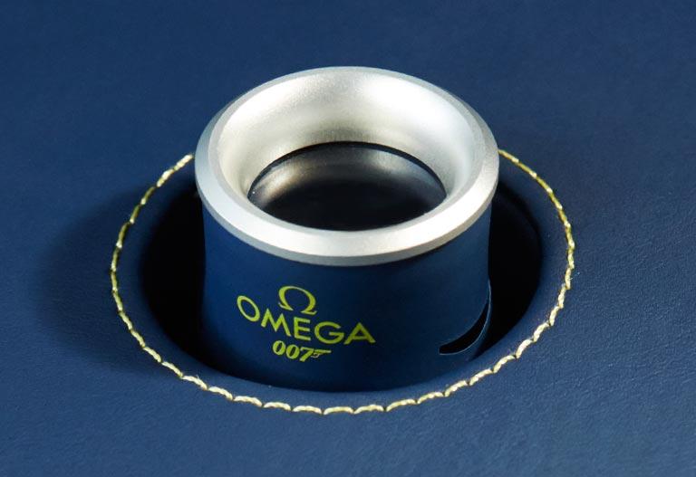 Omega 007 box