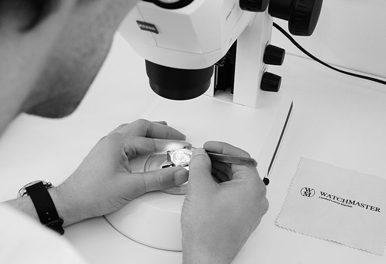 Microscope Omega Speedmaster Moonwatch Chrono