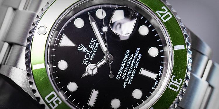 Rolex Submariner - 16610 LV