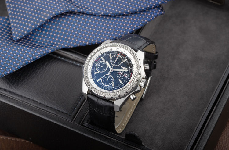 Breitling Bentley Motors A25363 men's watch with black leather strap in black accessory box