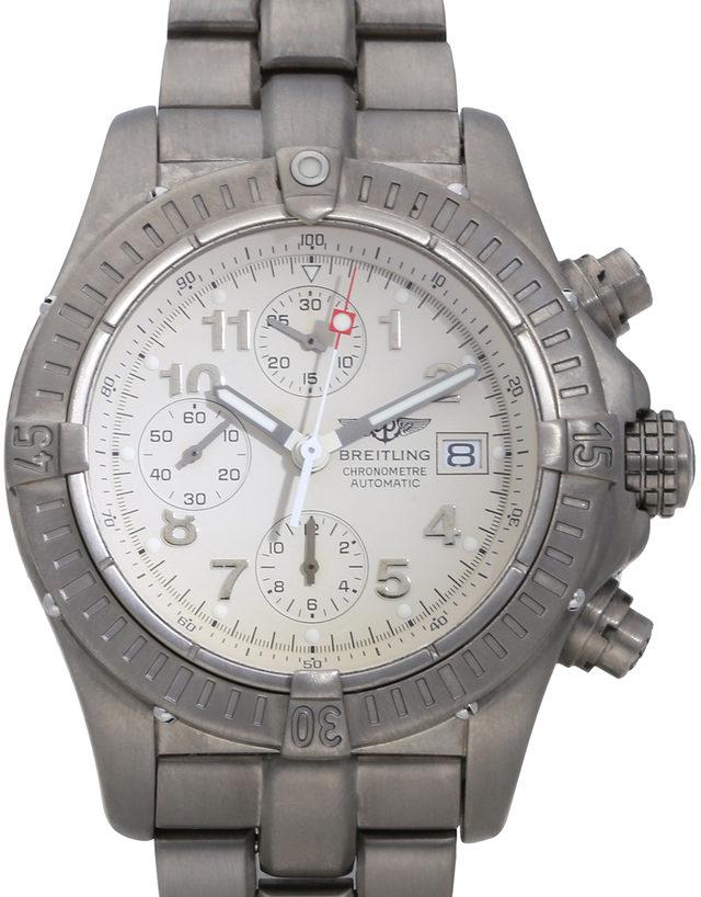 finest selection 2dd5f 014c0 Breitling Chrono Avenger E13360
